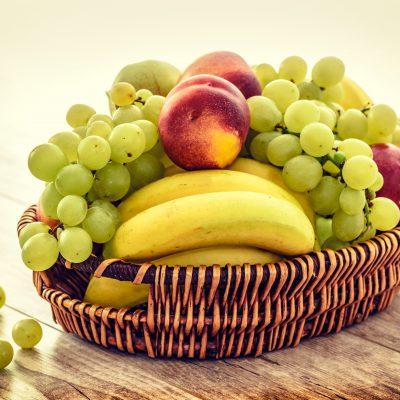 apples-bananas-bunch-235294